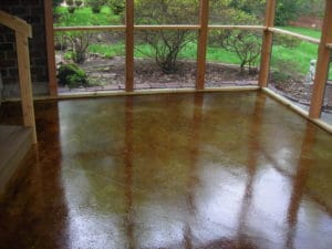 Time Between Staining and Sealing Concrete